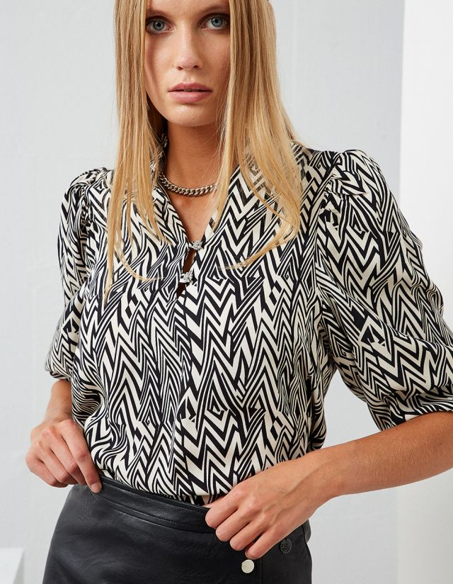 PRINTED BLOUSE WITH PADDED SHOULDERS