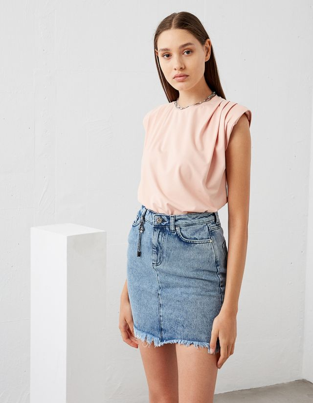 SLEEVELESS TOP WITH PADS