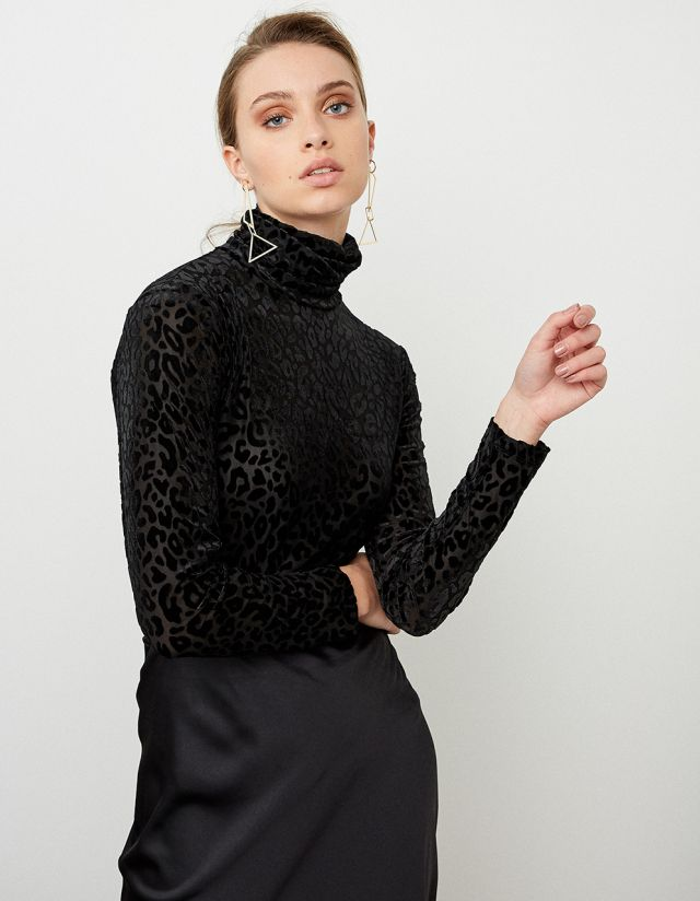 TURTLENECK TOP WITH VELVET PRINT