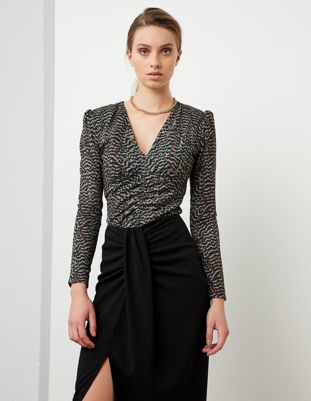 TOP WITH WOVEN DESIGN