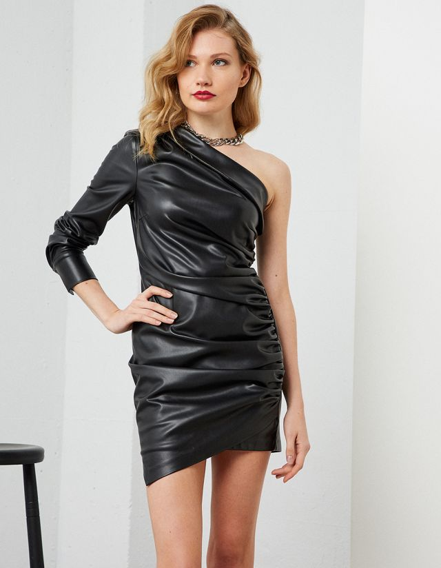 ONE-SHOULDER LEATHER EFFECT DRESS