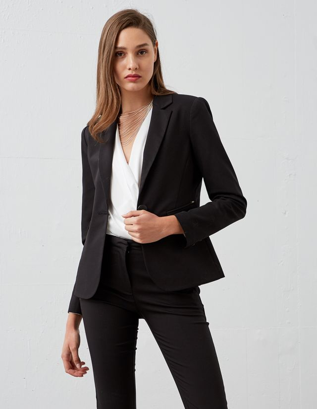 BLAZER WITH PADDED SHOULDERS