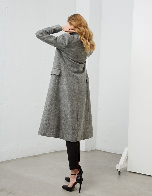 ONE-BUTTON COAT