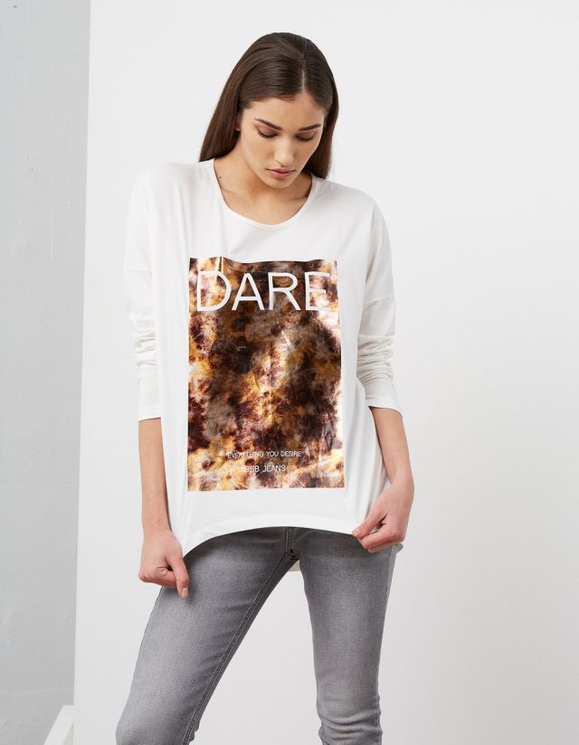 T-SHIRT WITH FRONT PRINT