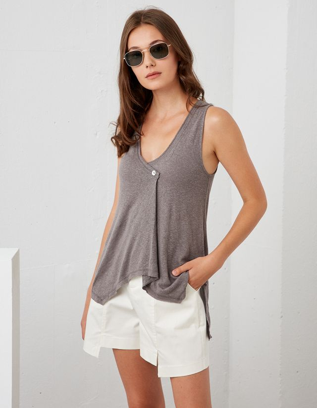 SLEEVELESS TOP WITH BUTTON