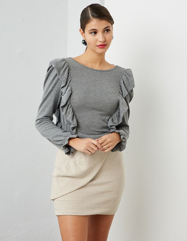 ELASTICATED TOP WITH FRILLS