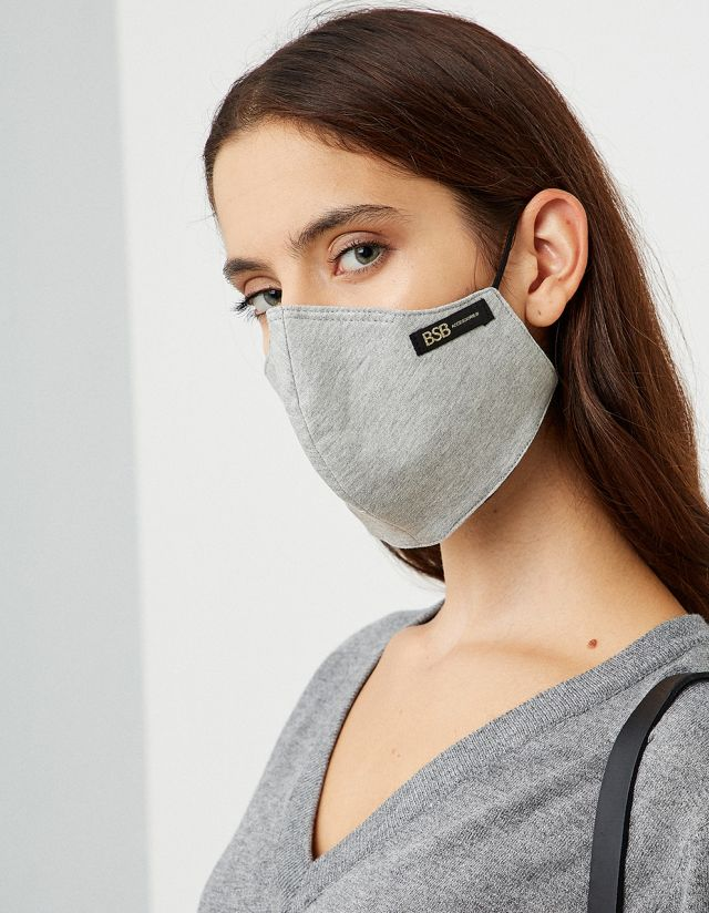 PROTECTIVE MASK IN GREY