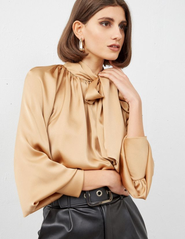 SELF-TIE BOW BLOUSE