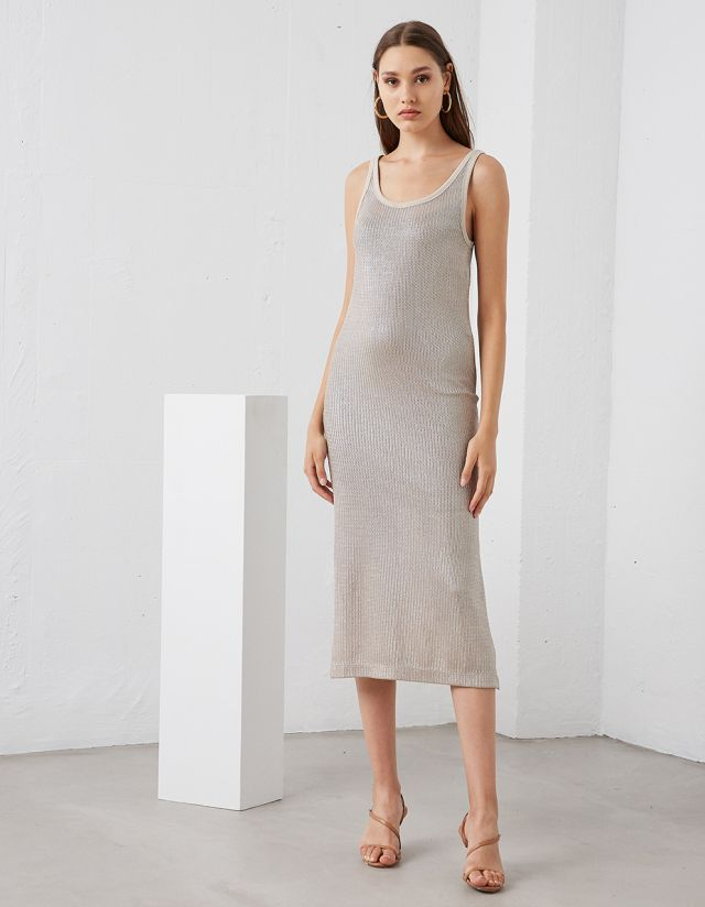 DRESS WITH METALLIC EFFECT