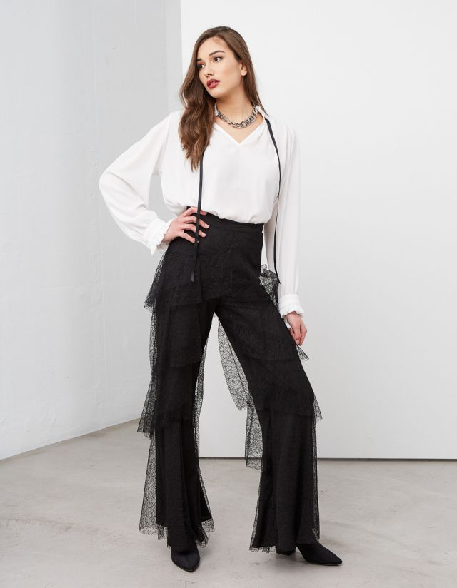 LACE TROUSERS WITH RUFFLES
