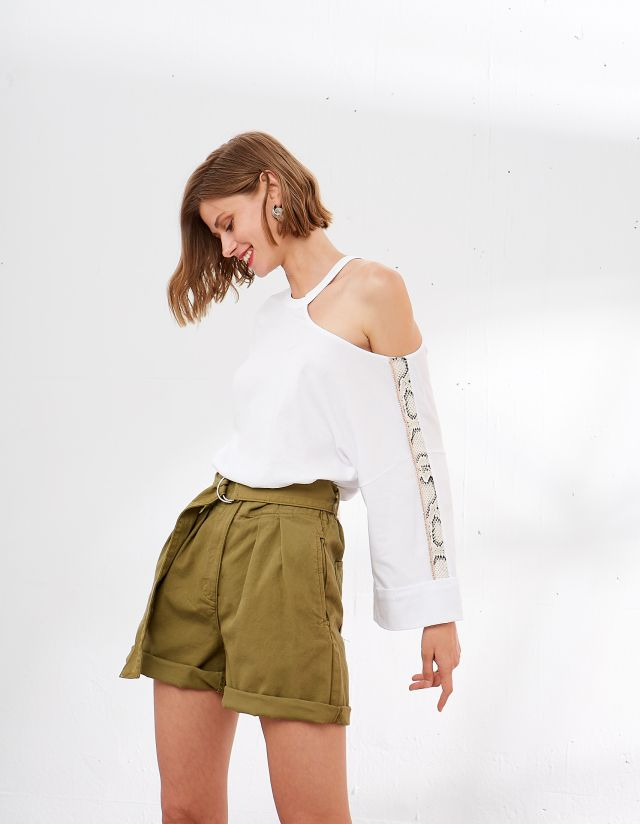 BLOUSE WITH CUT OUT SHOULDER