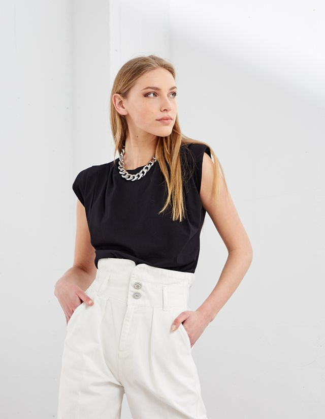 BASIC SLEEVELESS TEE WITH SHOULDER PADS