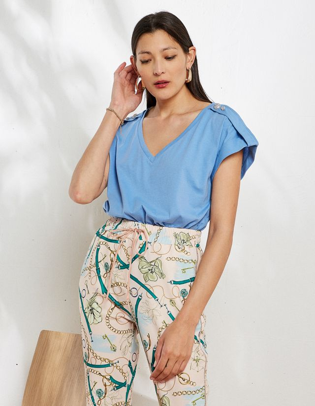 BLOUSE WITH ROLLED UP SLEEVES
