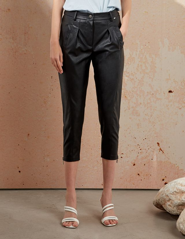TROUSERS LEATHER LOOK