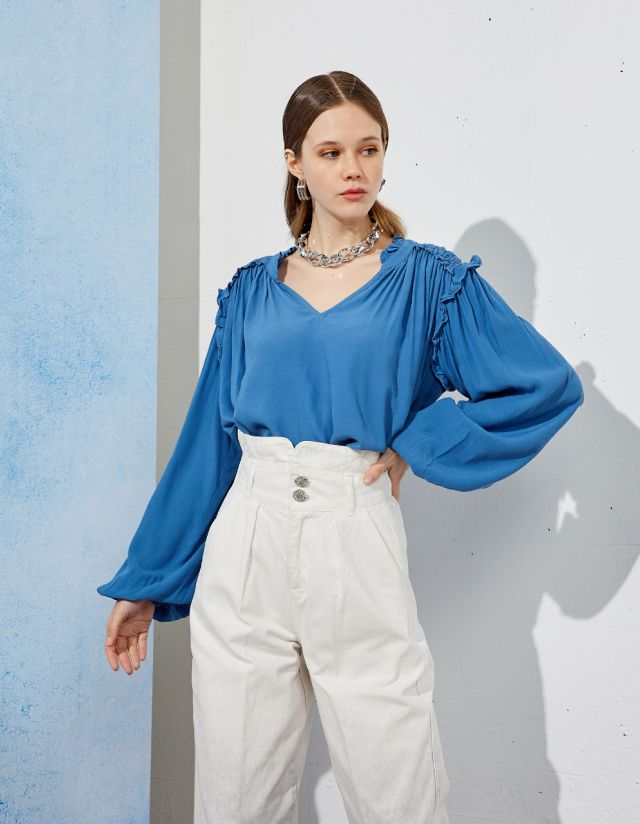 BLOUSE WITH SHIRRED DETAIL