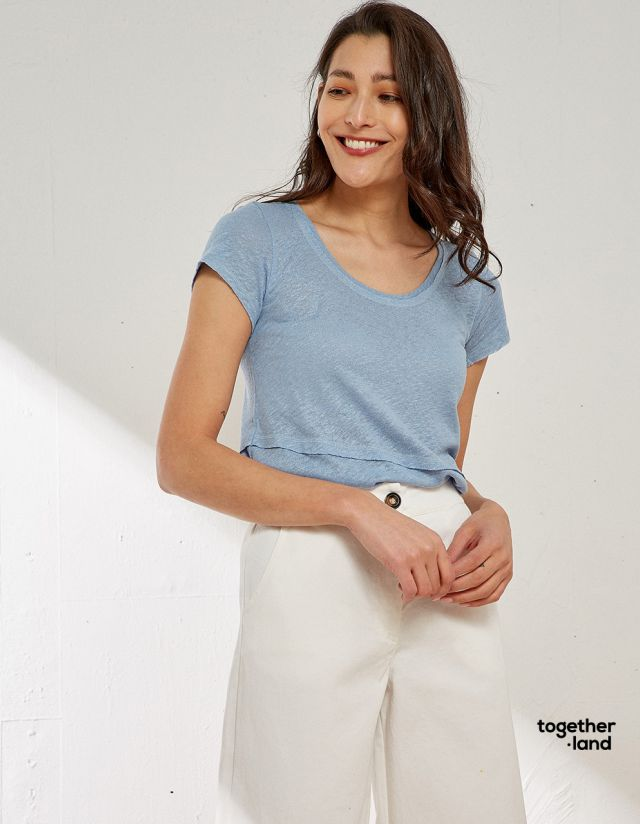 BLOUSE WITH SEAMS