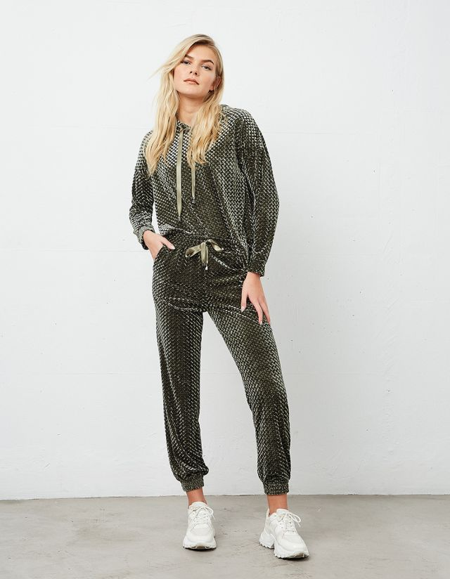 EMBOSSED VELVET SWEATPANTS