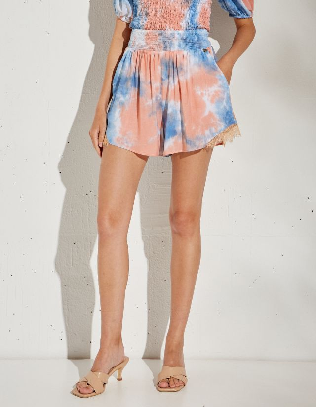 TIE-DYE SHORTS WITH LACE
