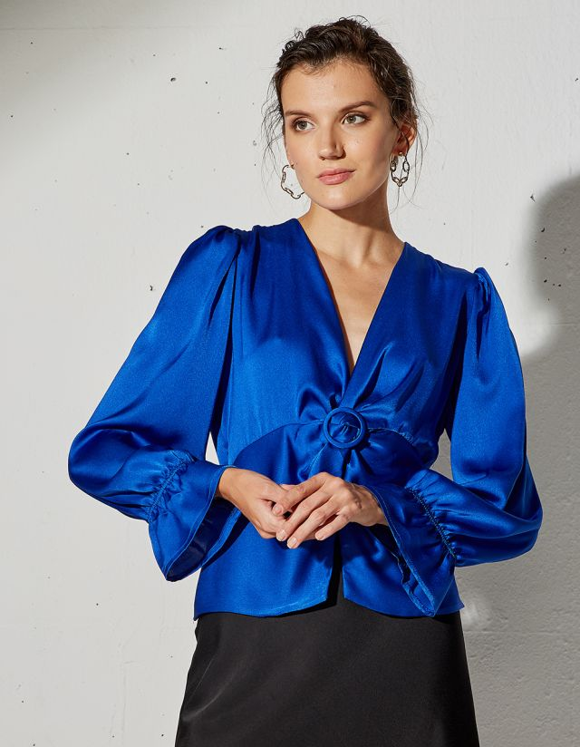 BLOUSE WITH HOOP