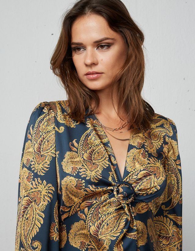 BLOUSE WITH CHEST DETAIL
