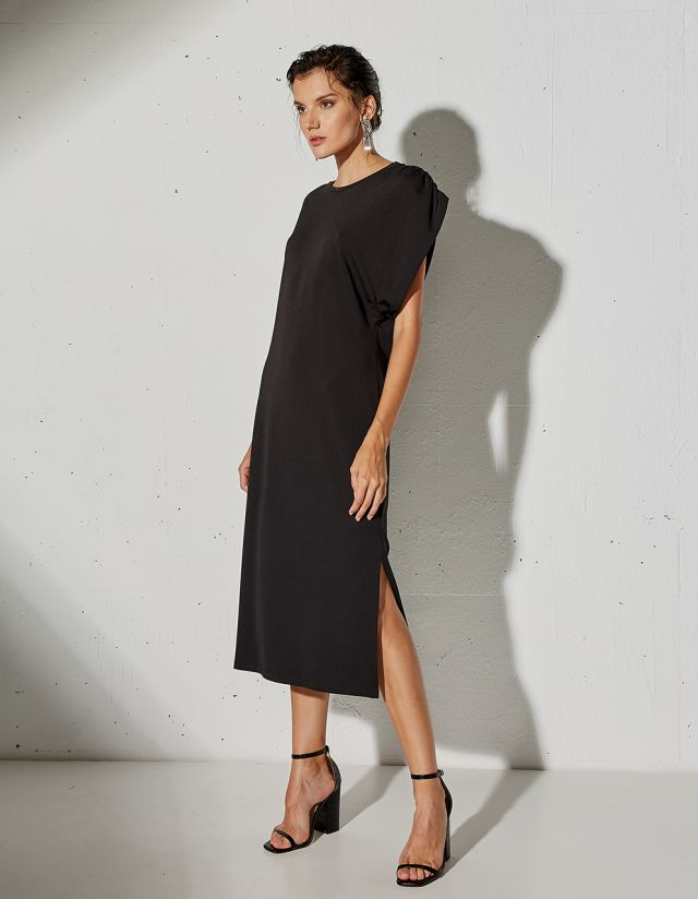 DRESS WITH GATHERED SHOULDERS