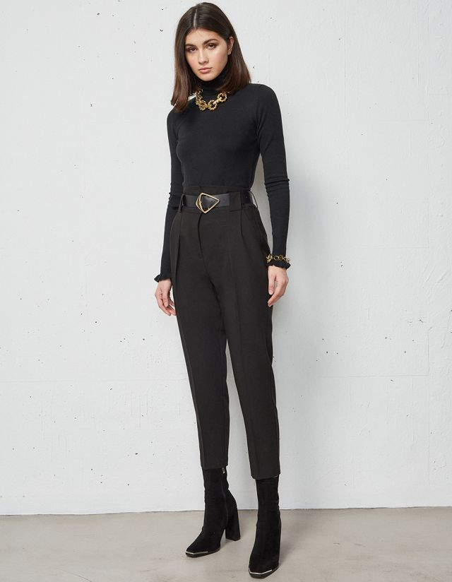 TROUSERS WITH PLEAT DETAILS AND BELT